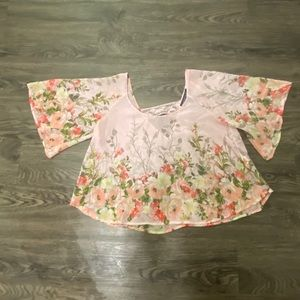 Beautiful crop top almost famous pink floral shirt